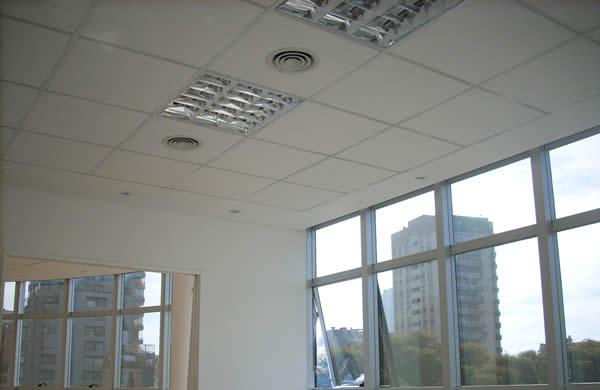 cielorraso desmontable placas decoacustic Durlock OWA ventanal sig