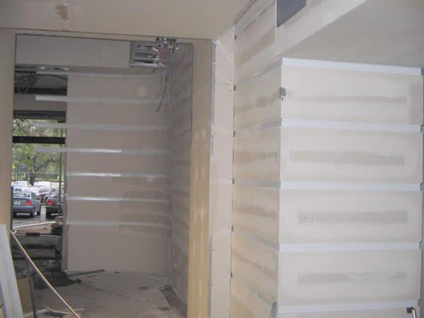 revestimiento en pasillos placa de yeso durlock