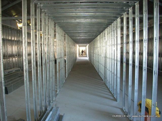 1-tabiques divisorios estructura habitaciones Gendarmeria Durbeck Terminado