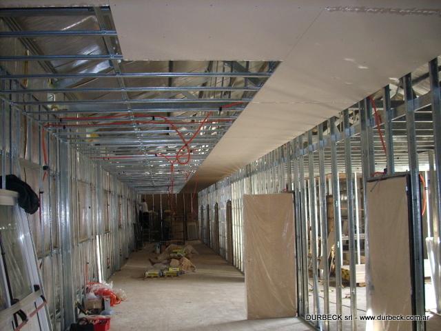 2-tabiques divisorios estructura y cielorraso habitaciones Gendarmeria Durbeck Terminado